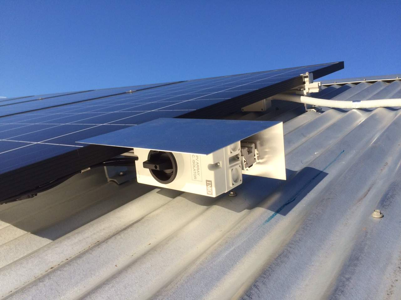 solar isolator on the roof